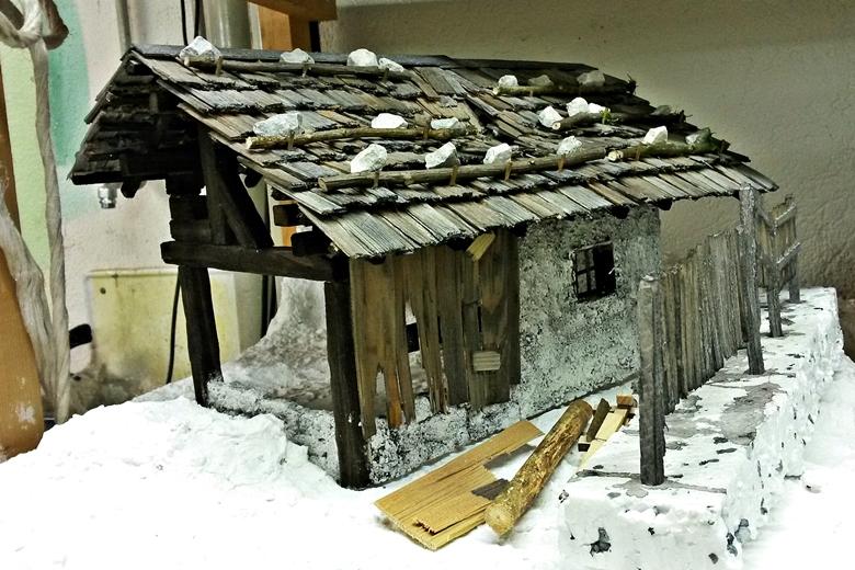 Weihnachtskrippen Manufaktur Bauanleitung Alpenländische Krippe
